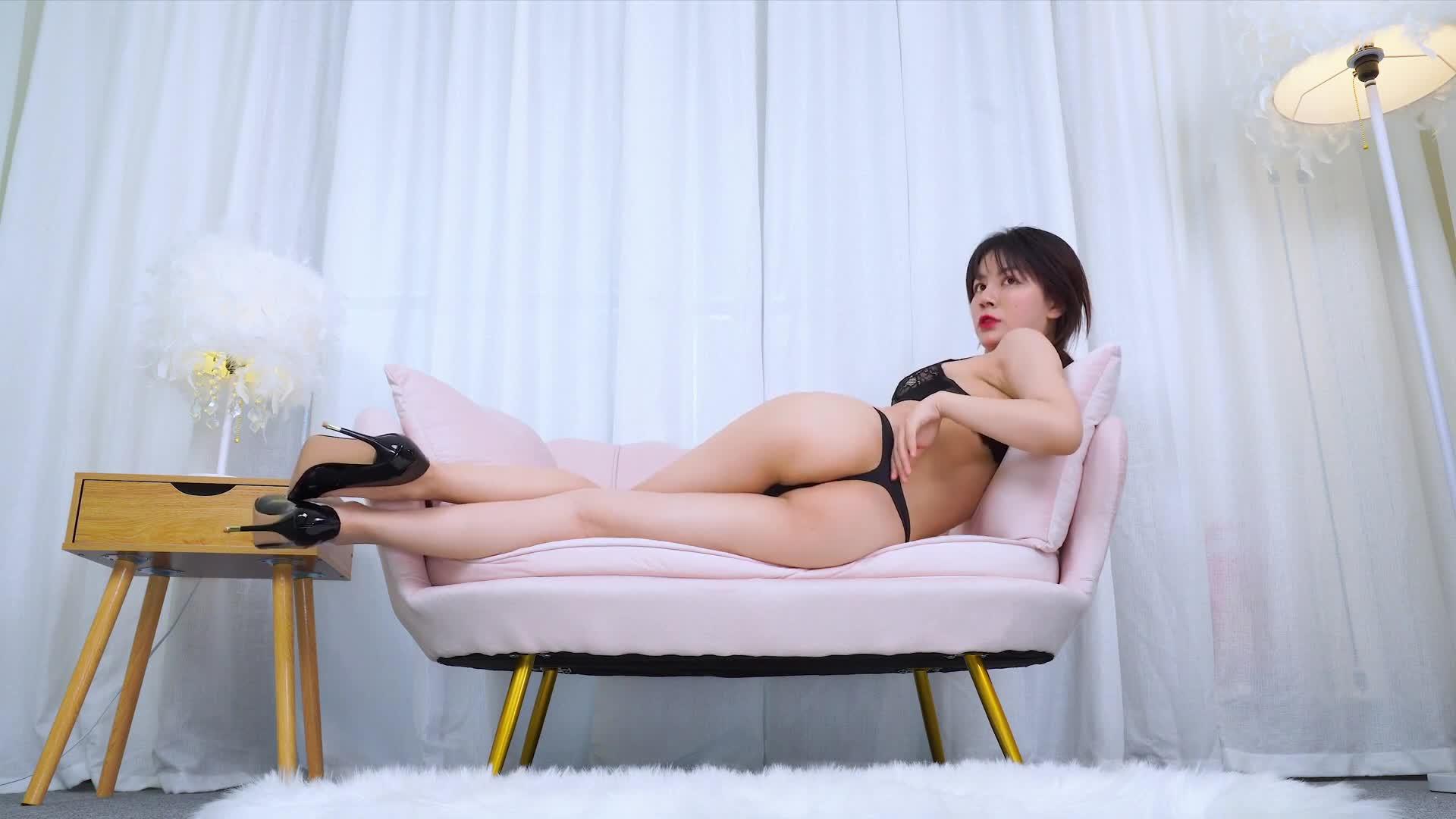 51限定版4K维拉Villa可儿沙发上性感慢摇热舞 1080p